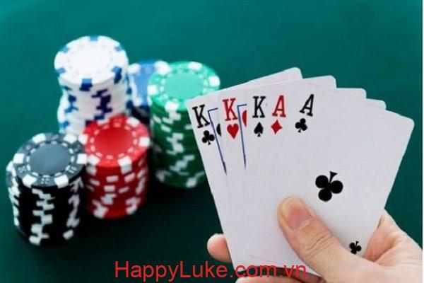 cù lũ Poker